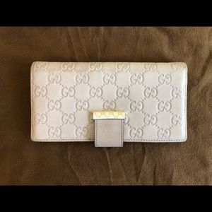 Gucci off white wallet